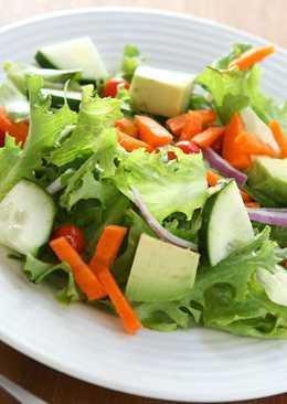 7 салатов из первых весенних овощей