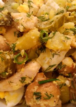 Картофельный салат с курицей и грибами