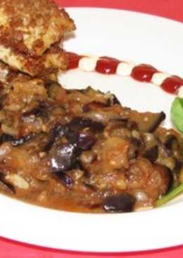 Кабачки, тушеные с грибами и томатами