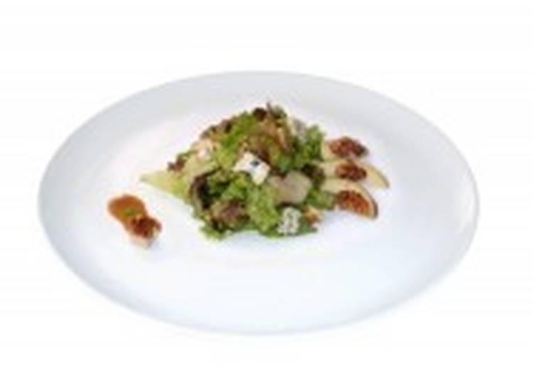 Салат из груш и горгонзолы