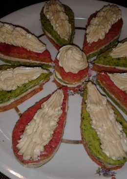 Пикантные пирожные из свеклы и шпината