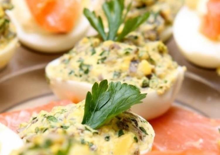 Фаршированные тунцом яйца «Закуска для Змеи»