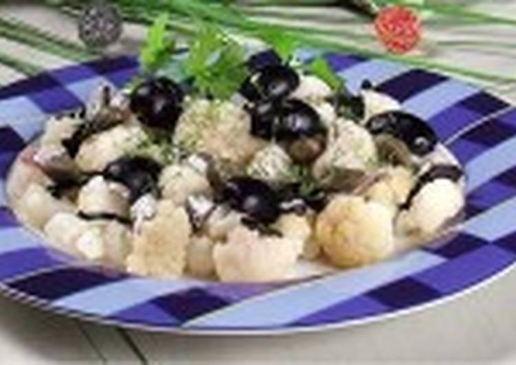Салат из цветной капусты с анчоусами