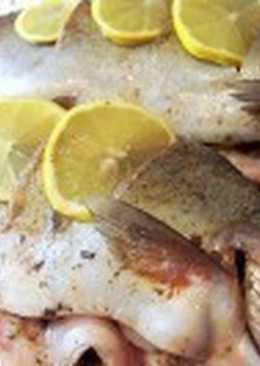 Запеченная в фольге форель с лимоном
