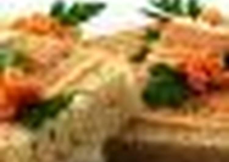 Полосатый бутерброд с сыром и колбасой