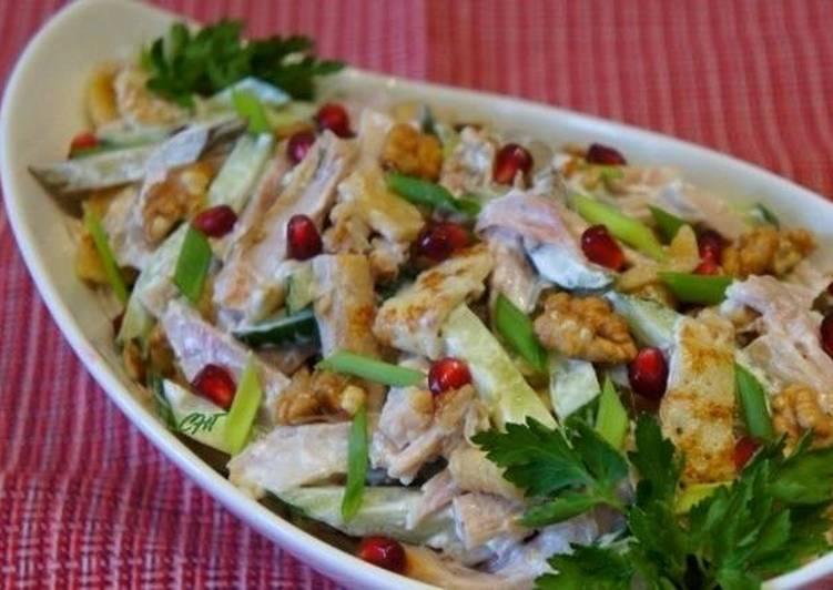 Салат с блинчиками и курицей