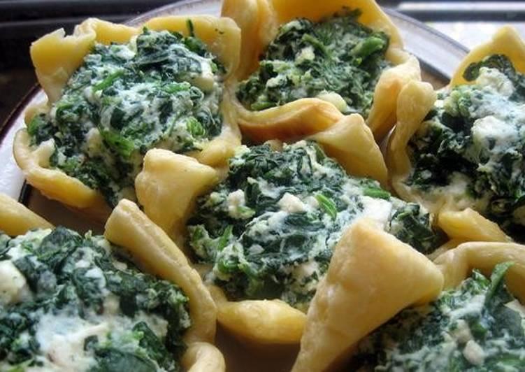 Слоёные булочки со шпинатом