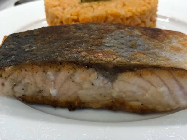 Стейк из лосося. Секрет сочности рыбы #кулинарныймарафон