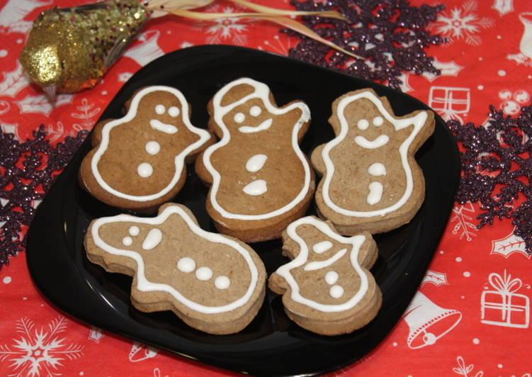 Шоколадные печенья с белой глазурью