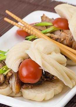 Мясо по-китайски, тушеная свинина на сковороде