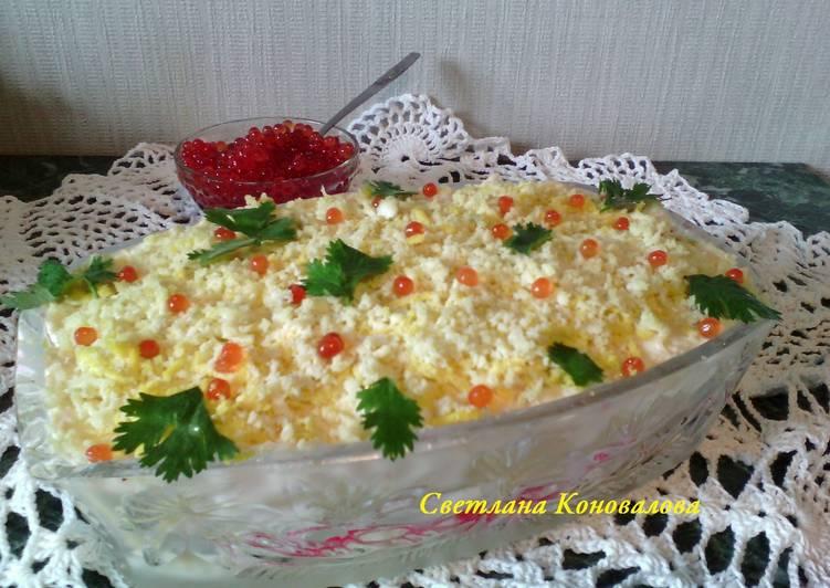 Салат крабовый с ананасами