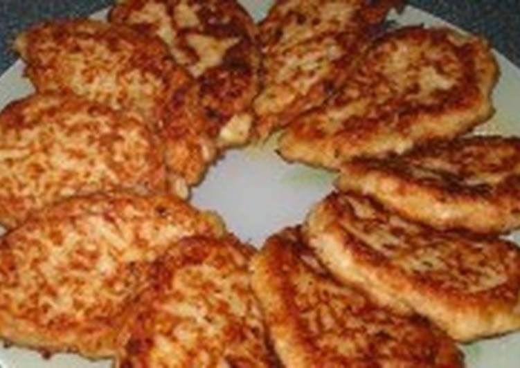 Постные рисовые котлеты с грибным соусом