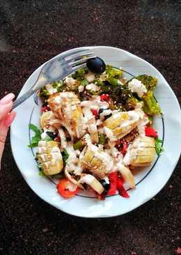 Тёплый овощной салат с кальмаром-гриль