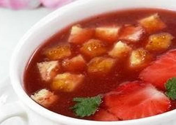 Суп клубничный