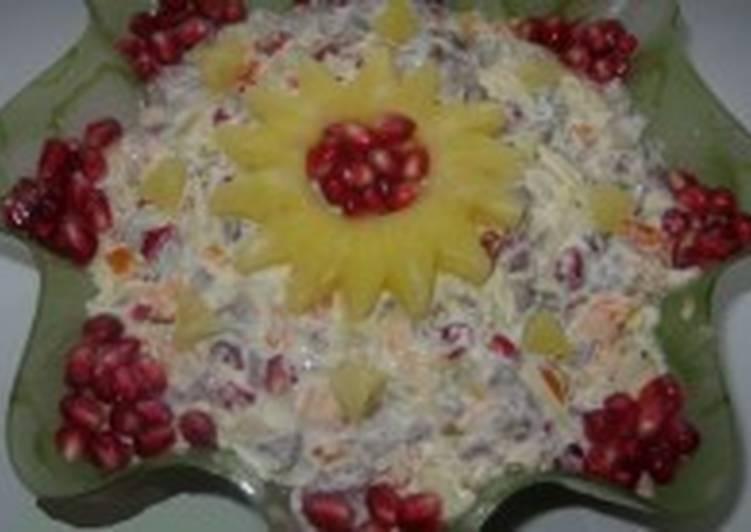 Салат с языком и ананасом «Рождественская звездочка»