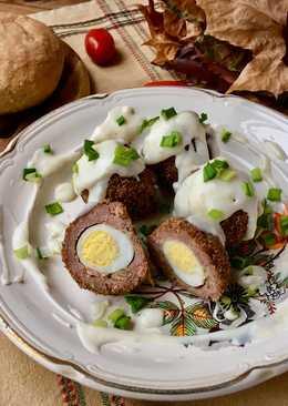 Яйца по-шотландски с соусом бешамель