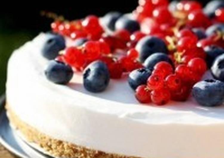 Легкий чизкейк с ягодами «Летний»