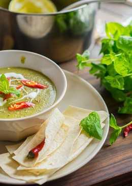 Суп-пюре из цукини с мятой