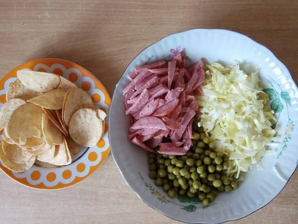 Полезный салат с вредными элементами