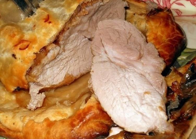 Мясо по-новогоднему, запеченное в тесте