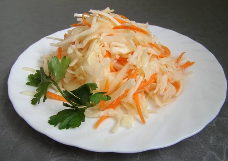 Салат «Капуста с морковью и уксусом»