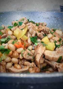 Соте из индейки с фасолью
