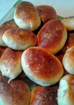 Пирожки с мясом в духовке из дрожжевого теста