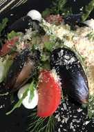 Салат изысканный для гурманов с мидиями