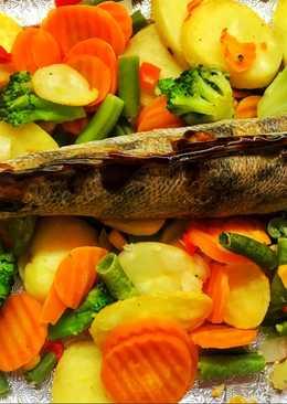 Судак фаршированный рисом с овощами