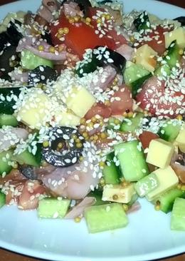 Обалденно вкусный салат с копченой курицей и кунжутом без майонеза