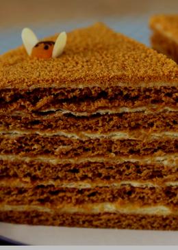 Торт медовик со сгущенным молоком и грецкими орехами