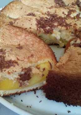 Бисквит с персиками