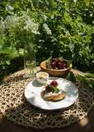 Сырники с начинкой из кедрового орешка и вяленой вишни#летние десерты