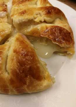 Изысканный слоёный пирог с сыром Камамбер!