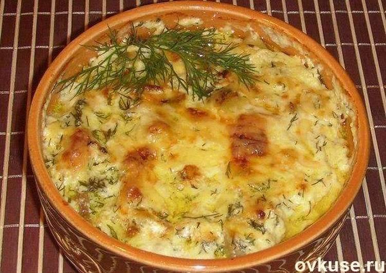Картошка с курицей и грибами в горшочках