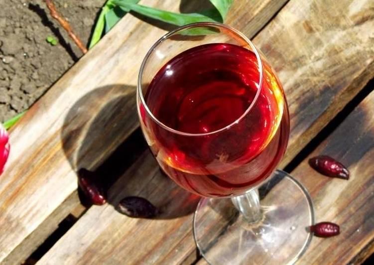 Вино из шиповника: и для души, и для здоровья