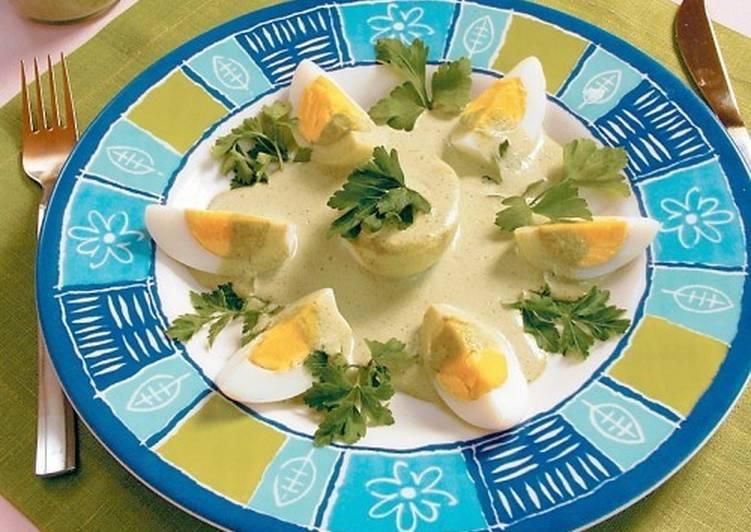 Яйца по-японски с соусом-хрен