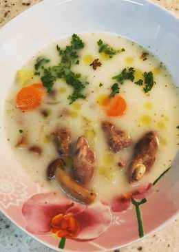 Сливочный суп с опятами и куриными сердцами