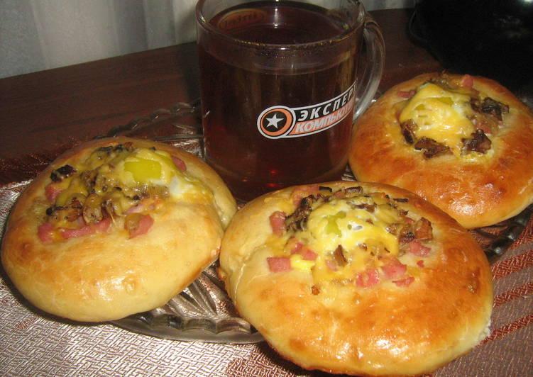 Мини - пиццы с перепелиными яйцами