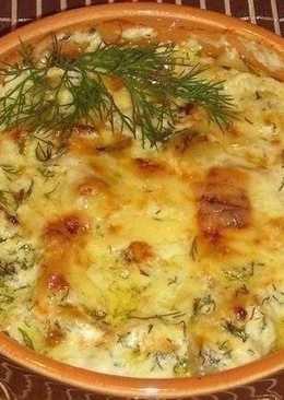 Картошка с курицей и грибами под соусом