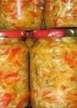 Летний салат-заготовка из моркови с яблоками