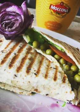 Пшеничная тортилья с зеленым 💚 горошком на гриле / пп - завтрак / перекус