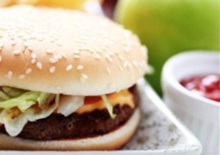 Чизбургер со свининой, кинзой и авокадо
