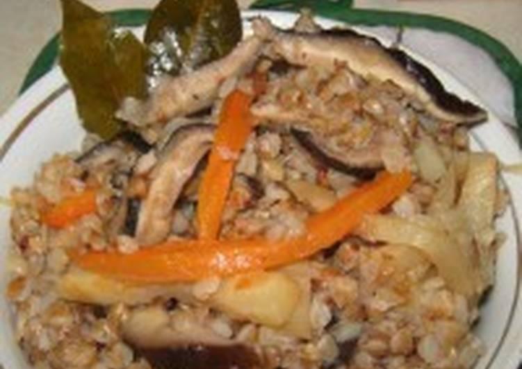 Плов гречневый с грибами и сельдереем