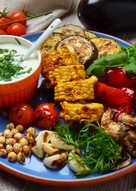 Овощи-гриль с йогуртовым соусом