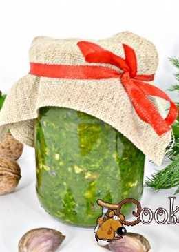 Зеленая аджика !Очень вкусная аджика, которую можно подать к мясу, супам или просто намазать на ломоть хлеба