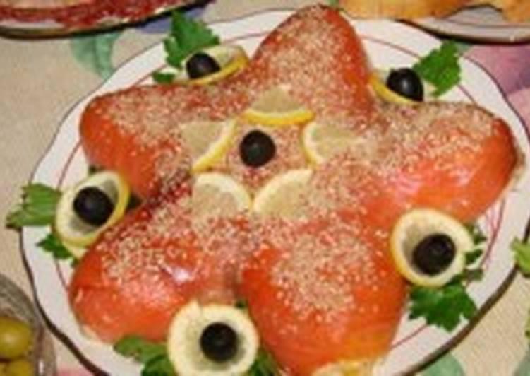 Салат с креветками и красной рыбой «Морская звезда»