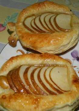 Слойки с грушами и яблоками
