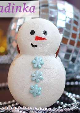 Макаронс снеговики с соленой карамелью