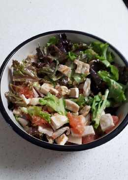 Салат из куриной грудки и грейпфрута